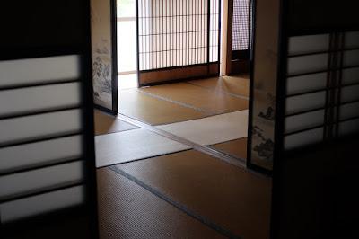 長野県生坂村の古民家カフェ ひとつ石 和室