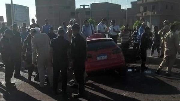 لقي شخصان مصرعهما وأصيب 3 آخرين في حادث تصادم سيارة نقل وأخرى ملاكى أثناء سير موكب زفاف بالبحيرة