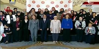 قرينة الرئيس السيسي تشاركه حفل تكريم الأمهات المثاليات