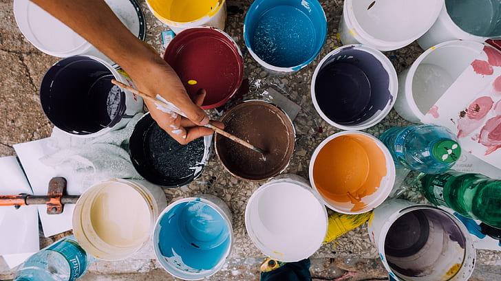 Le pitture per interni si scelgono in funzione delle carartteristiche dell'ambiente di casa