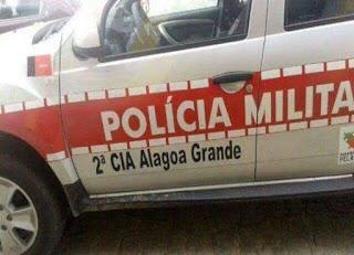 Homem esfaqueia esposa e é preso em flagrante pelo crime de violência doméstica em Alagoinha