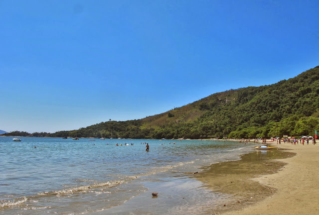 Praia da Fortaleza, na trilha das 7 praias desertas de Ubatuba