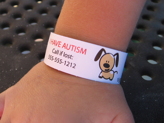 Medical Alert Bracelets For Kids Are A Great Thing To Have If Your Child Has Diabetes Autism Or Even Allergies What Information Would You Need Good