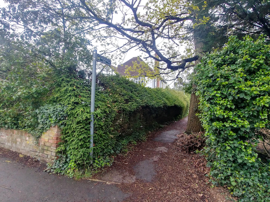 Aldenham restricted byway 53 off Shenley Hill