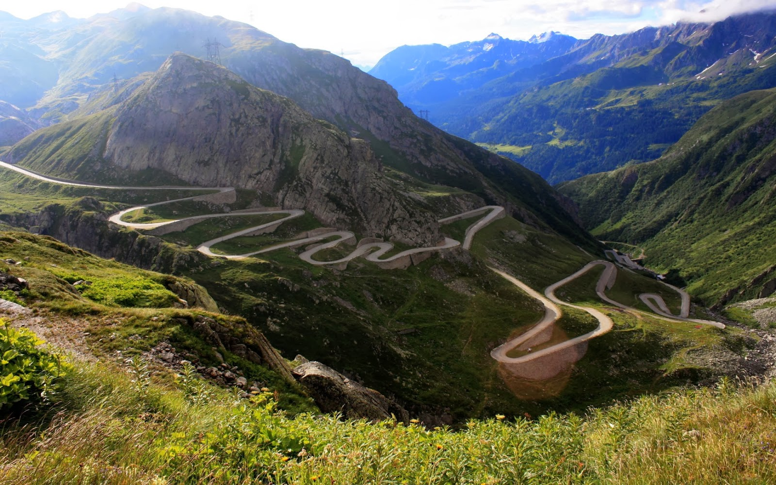 Most Stylish Cars Wallpapers Most Dangerous Roads In The World Hd Wallpapers Fine Food