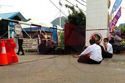 Mathius Fakhiri Janji Akan Sekolahkan Calon Bintara Noken Asli Papua yang Gugur