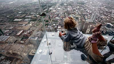 https://1.bp.blogspot.com/-LnHwiXmailY/VyfWawxmk-I/AAAAAAAAO_I/3b21XWa7ioIq9448ZVwe7zUW01KfuY8kgCLcB/s1600/Sears-Tower-Glass-Balconies.jpg