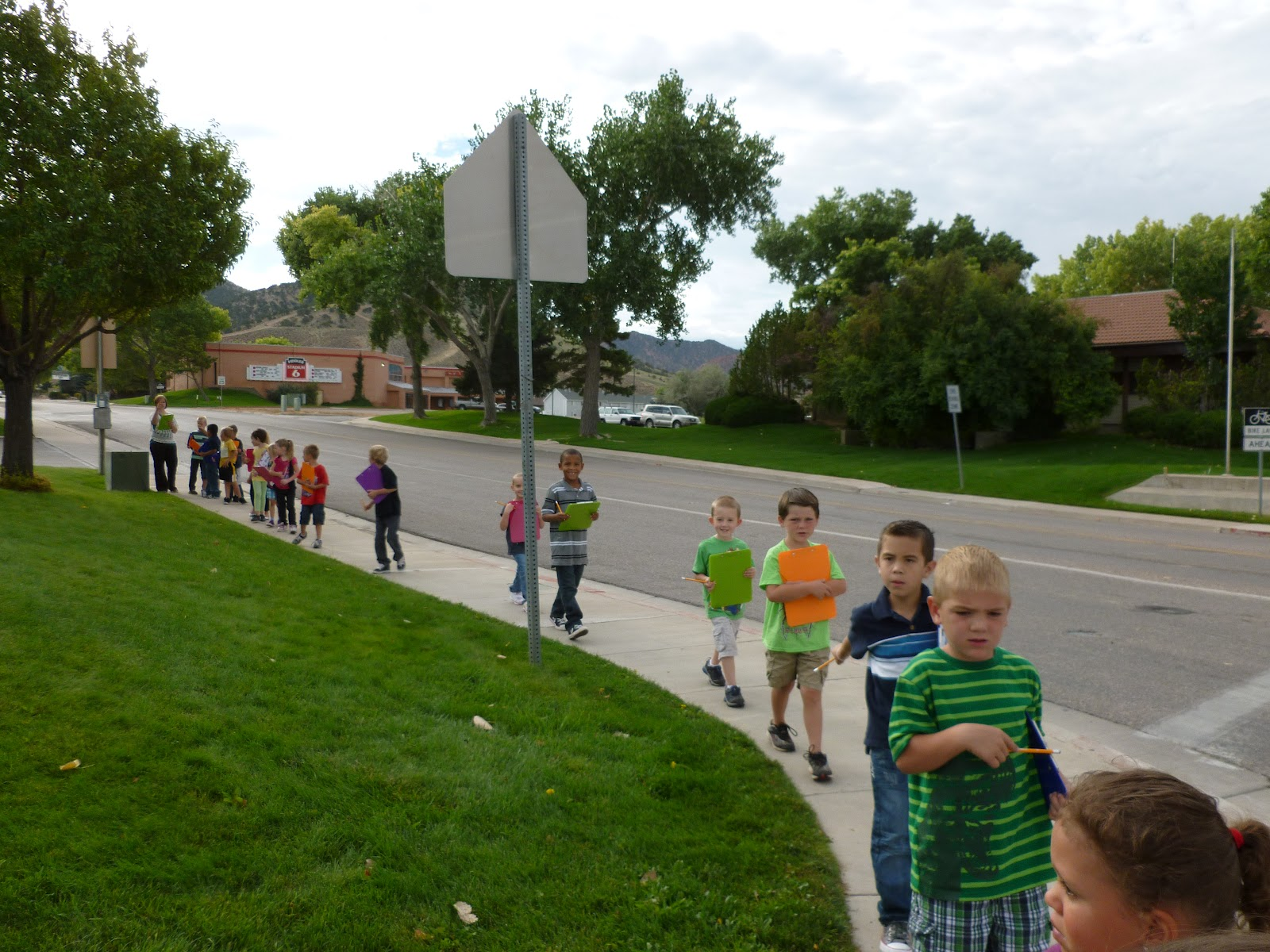 Fun For First Walking Field Trip Neighborhoods