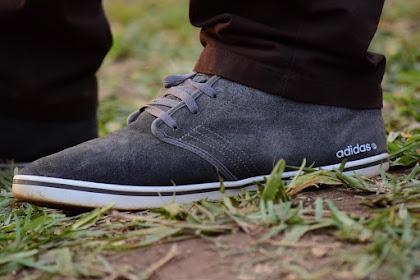 Cara membedakan sepatu Adidas asli dan palsu