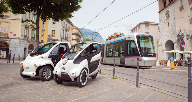 Toyota i-Road and COMS electric commuter vehicles in Grenoble