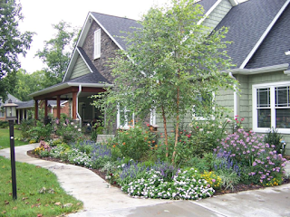 photo halaman rumah minimalis