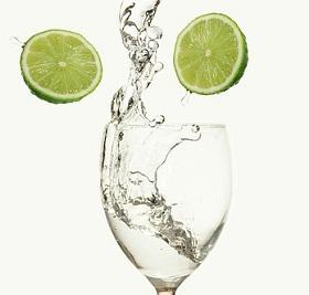طريقة عمل ماء الليمون لإنقاص الوزن
