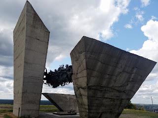 Ізюм. Харківська обл. Військовий меморіал на горі Кременець