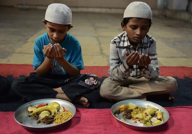 Lima Tips Mengajarkan Anak Puasa Ramadan