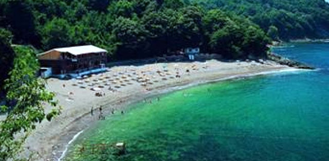 amos masrmaris beach