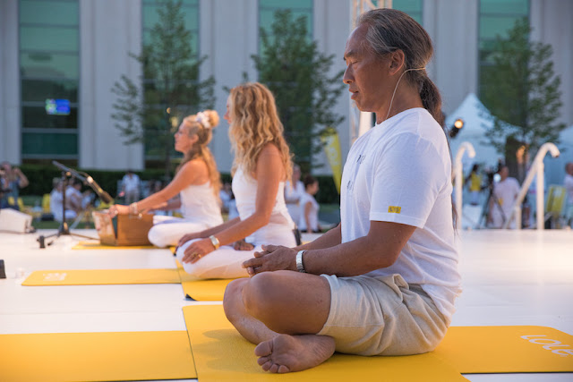 Lolë White Tour Sunset Yoga Toronto - Colleen Saidman Yee and Rodney Yee