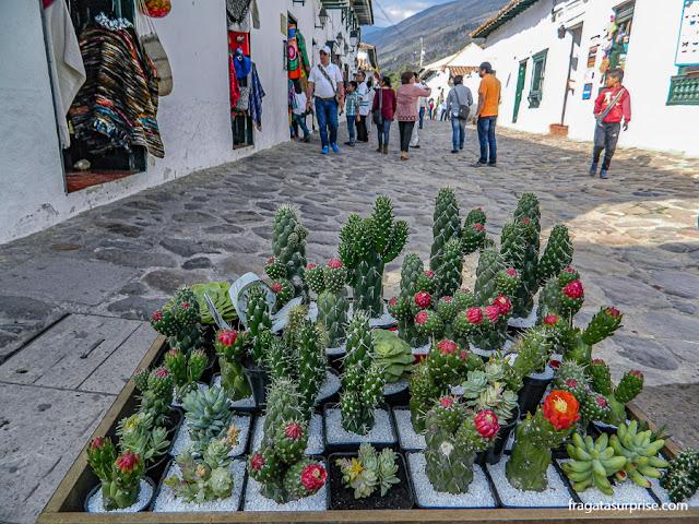 Calle Caliente, rua de comércio em Villa de Leyva, Colômbia