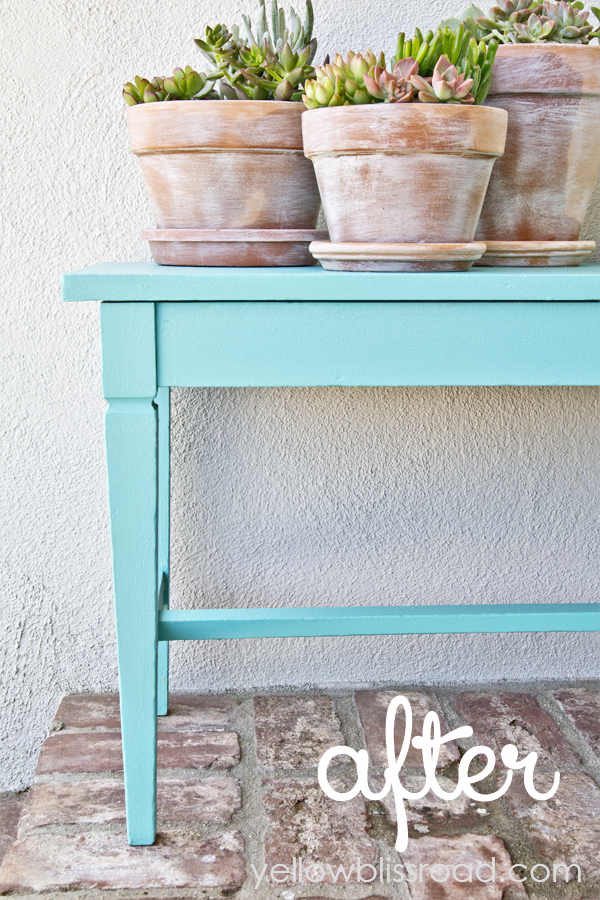 Gorgeous Piano Bench Makeover for Summer - Click over to see the before pictures!