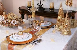 mesa navideña en oro plata