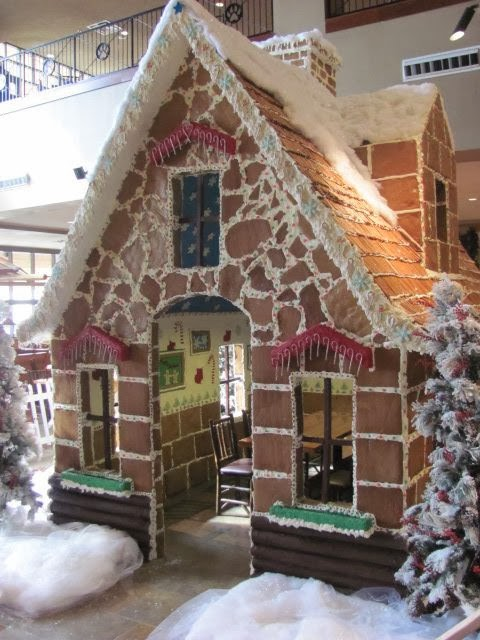 15 Amazing Gingerbread Houses Just Short Of Crazy
