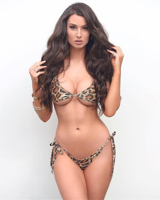 Bianca Kmiec Hot & Sexy Pics