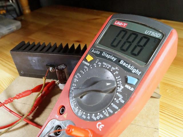 Температура радиатора стоящего на поверхности