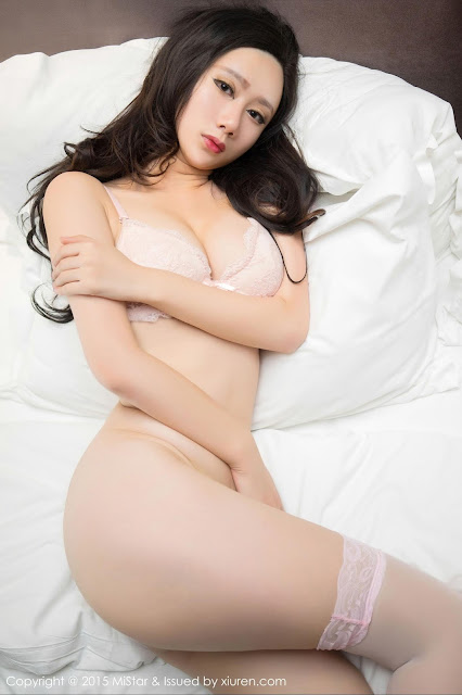 Hot and sexy photos of beautiful busty asian hottie chick Chinese booty model Su Xiao Man photo highlights on Pinays Finest sexy nude photo collection site.
