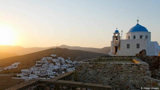 Spiegel: Ελληνικά νησιά - «Ήλιος, θάλασσα και Covid-free»