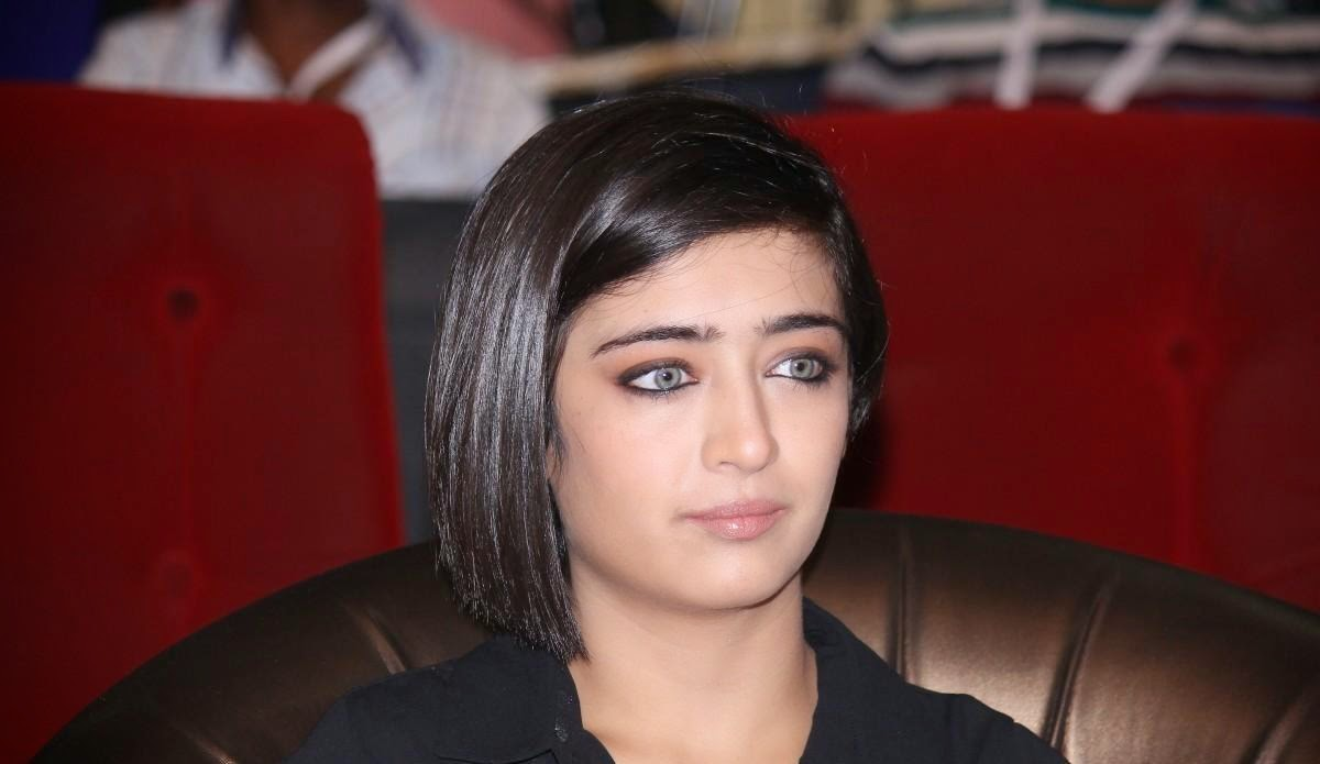 High Quality Bollywood Celebrity Pictures: Akshara Haasan ...