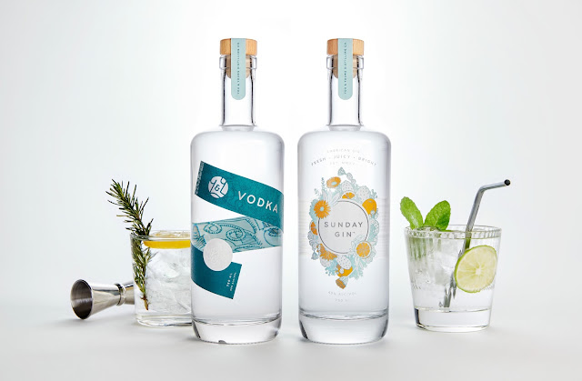 Binh-dung-ruou-Vodka-You-Yours-Distilling-Co-duoc-thiet-ke-boi-Hint-Creative