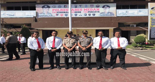 Kapolsek Medan Baru Beserta Unit Reskrim Mendapatkan Penghargaan Dari Kapolrestabes Medan
