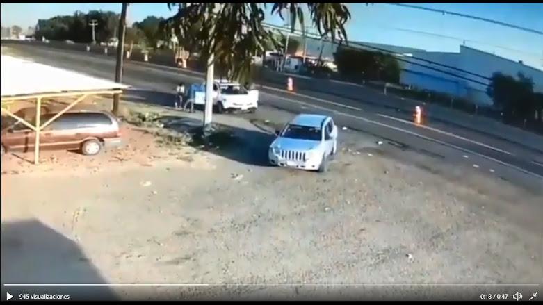 Video: Así es como los Sicarios de José Antonio Yépez Ortiz El Marro quitan camioneta a señora y su hija en Guanajuato