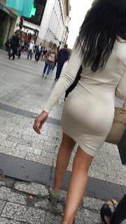 Sabrosas nalgas calle vestido transparente ajustado