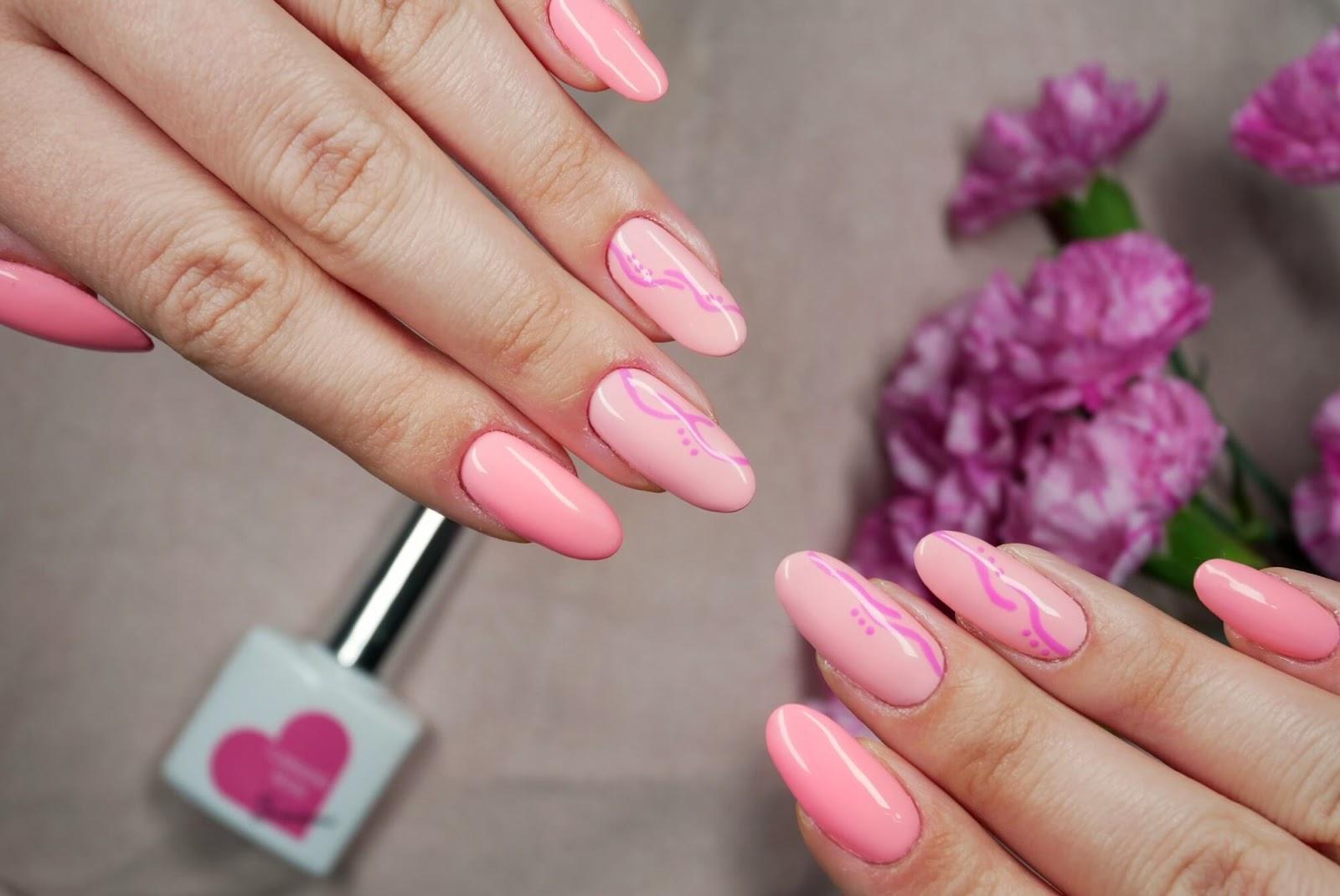 paznokcie różowe - hybrydowe