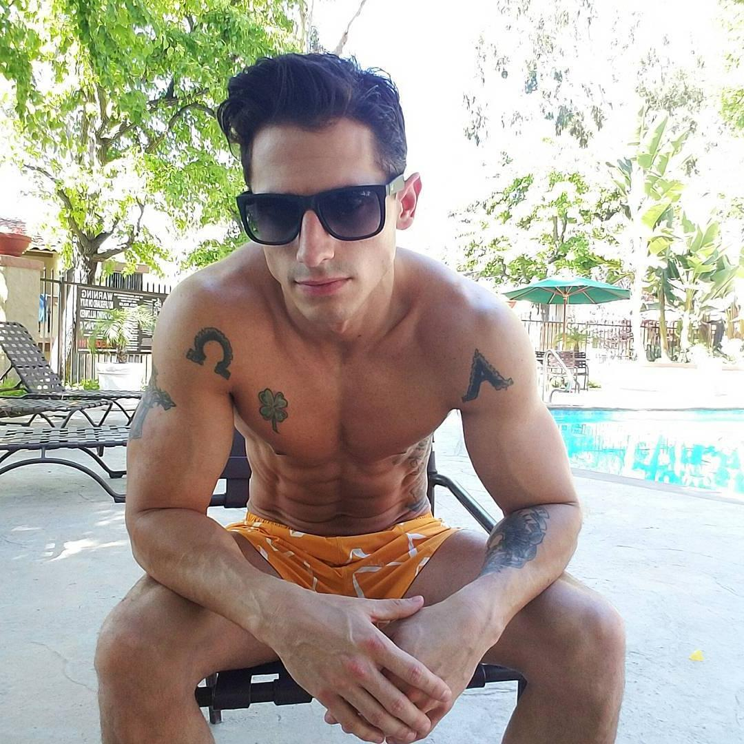 shirtless-fit-tyler-james-tattoo-pictures