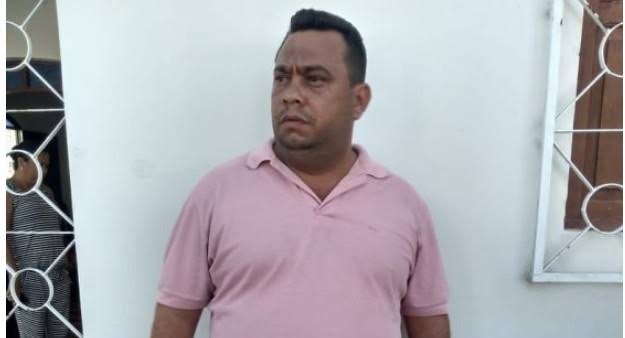 No semi-aberto e ainda se recuperando de cirurgia, 'Flávio Cabaré' assume vaga na Câmara de Conde