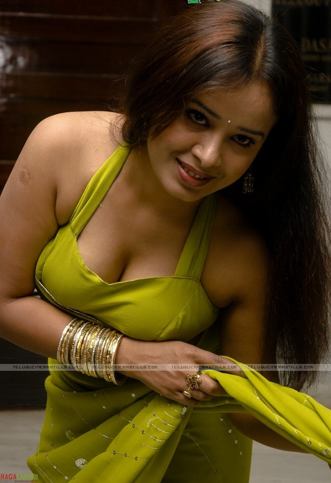 Bangladeshi hot actress