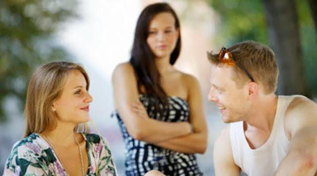 KHUSUS CEWEK : 6 Sifat Ini, Yang Bikin Cowok Kamu Ilfeel