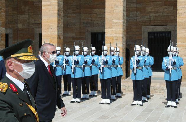 Οι εκβιασμοί του Ερντογάν για πόλεμο