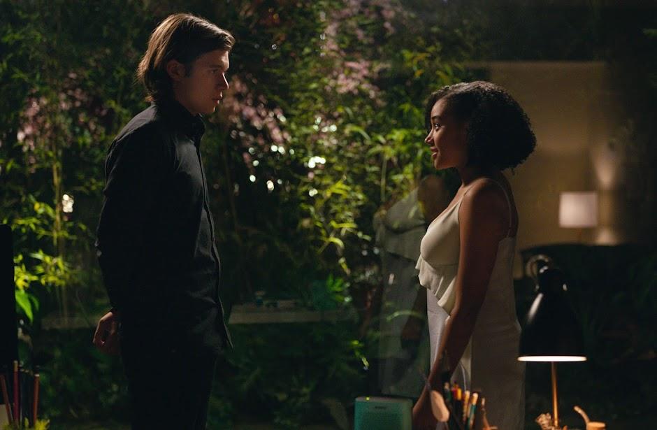 """Adaptação de """"Tudo e Todas as Coisas"""" ganha primeiro trailer legendado"""