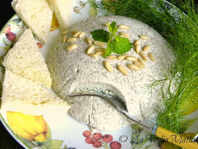 mousse di formaggio ed erbe aromatiche