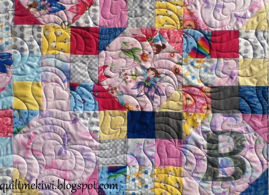 quiltmekiwi: Log cabins, hearts, butterfly's and seashore cottages ... : madeira quilt - Adamdwight.com