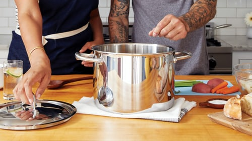 Safest Cookware: What Are the Dangers of Metal Cookware?