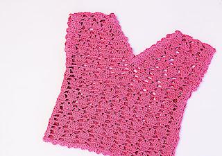 4 - Crochet IMAGEN Blusa para niña con puntada de corazones. MAJOVEL