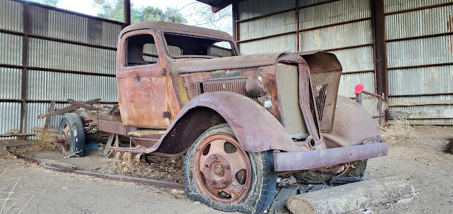 Old truck, Hunt Ranch, Wildwood Canyon State Park