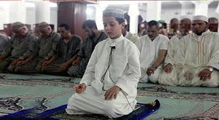 Masya Allah !! Inilah 9 Syarat untuk Menjadi Imam yang Belum Kita Ketahui