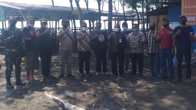 Kunjungan Pansus 6 DPRD Kota Tegal ke Pantai Batam Sari