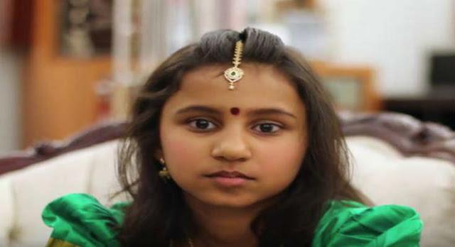 Το Υπερφυσικό Κορίτσι Από Την Ινδία Που Διαβάζει Με... Κλειστά Μάτια - Βίντεο