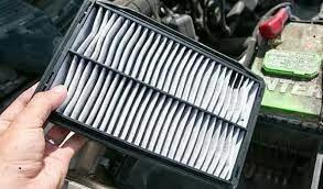 فلتر الهواء ما هو دوره في السيارة و العلامات التي تظهر عند انسداده أو تلفه و هل نستطيع تنظيفه أم تبديله