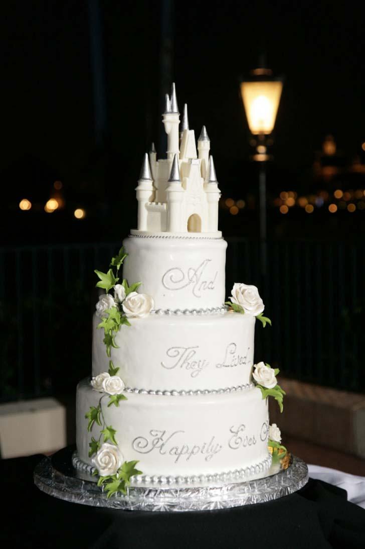 cinderella castle wedding cake topper cake magazine. Black Bedroom Furniture Sets. Home Design Ideas